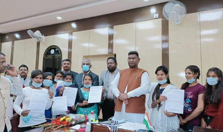 12 हजार लड़कियों को मिलेगी रोजगार : मंत्री सत्यानंद भोक्ता