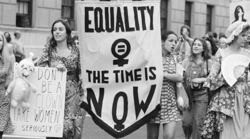 International Womens Day : आख़िरकार भारत में ही महिलाओं के साथ ऐसा क्यों होता है?
