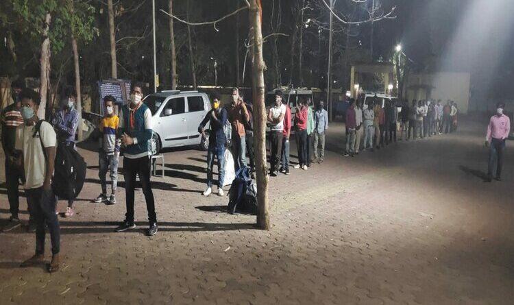 बेंगलुरु और हैदराबाद से पलामू पहुंचे 44 प्रवासी श्रमिक