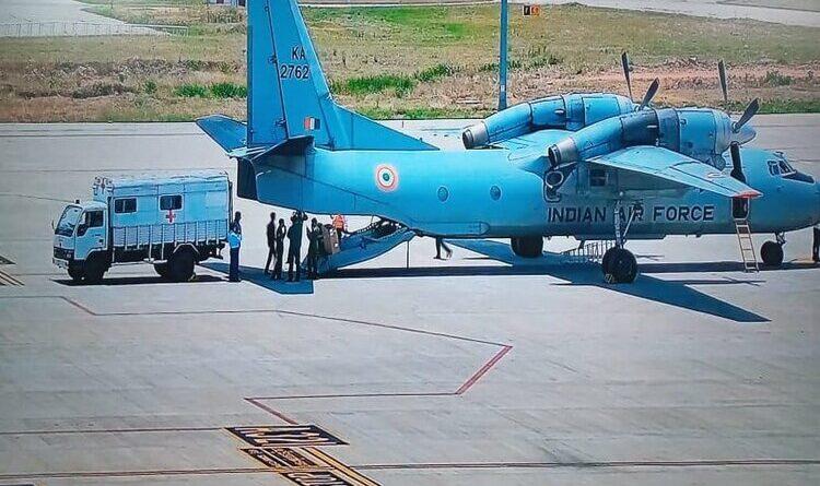चिकित्सा सामग्री लेकर रांची के बिरसा मुंडा एयरपोर्ट पहुंचा AN 32 विमान