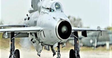 वायुसेना के पास 400 पायलटों की कमी, 'उड़ता ताबूत' ने ले ली 400 की जान