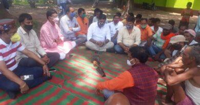 भाजपा कार्यकर्ताओं ने सुनी पीएम की मन की बात