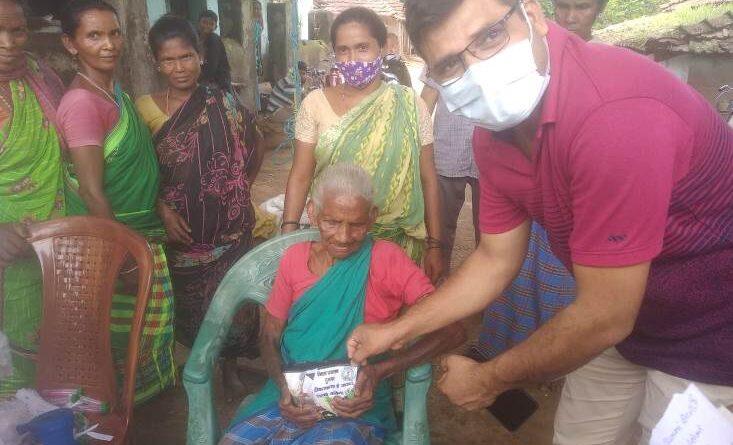 चुमकुई मरांडी ने 82 साल की उम्र में कोरोना की वैक्सीनलेकर पेश की मिसाल