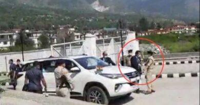 गडकरी के कुल्लू दौरे के दौरान हाथापाई करने वाले पुलिस कर्मचारियों पर गिरी गाज