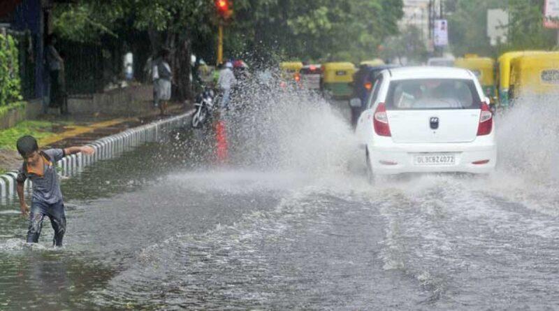 Weather Update: कई राज्य बाढ़ से बेहाल, इन राज्यों में बारिश का अलर्ट जारी, जानें अपने राज्य के मौसम का हाल