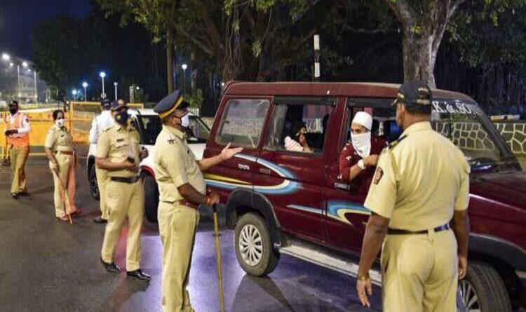 मुंबई के सीएसएमटी स्टेशन पर बम की सूचना निकली फर्जी