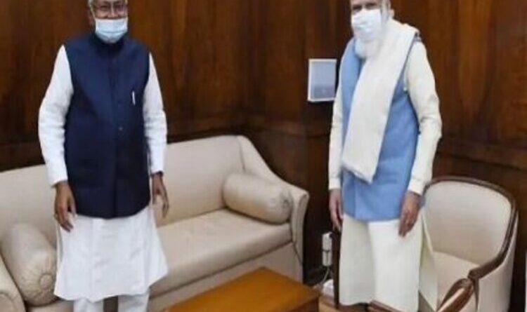 नीतीश के नेतृत्व में 10 दलों के प्रतिनिधिमंडल ने प्रधानमंत्री से की मुलाकात