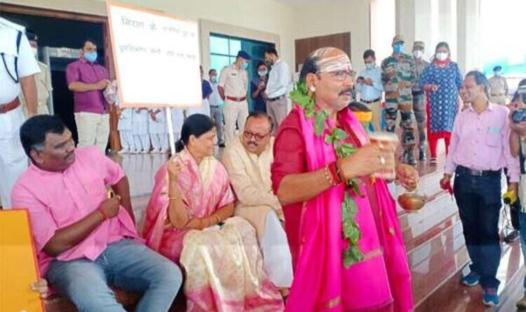 विधानसभा का सत्रः भाजपा विधायकों ने हनुमान चालीसा का किया पाठ
