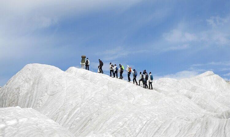 दिव्यांगों को सलामः सियाचिन ग्लेशियर पर चढ़कर बनाया विश्व रिकॉर्ड