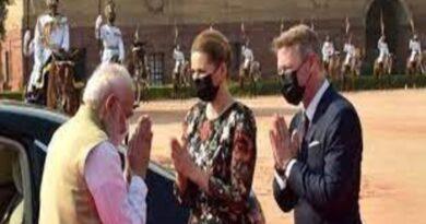डेनमार्क की प्रधानमंत्री का राष्ट्रपति भवन में औपचारिक स्वागत, मोदी ने की अगवानी